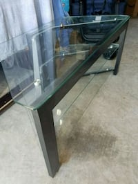 Glass TV Stand  South Riding, 20152