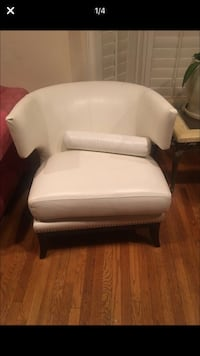 white leather padded sofa chair Inglewood, 90305