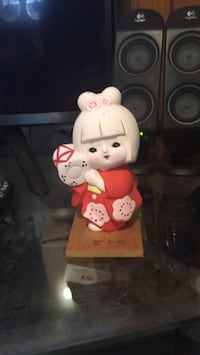 White and red hello kitty ceramic figurine Muskego, 53150