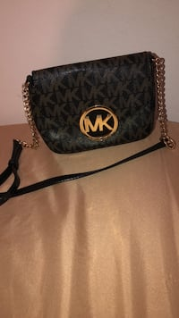 monogrammed black Michael Kors leather crossbody bag Natchitoches, 71457