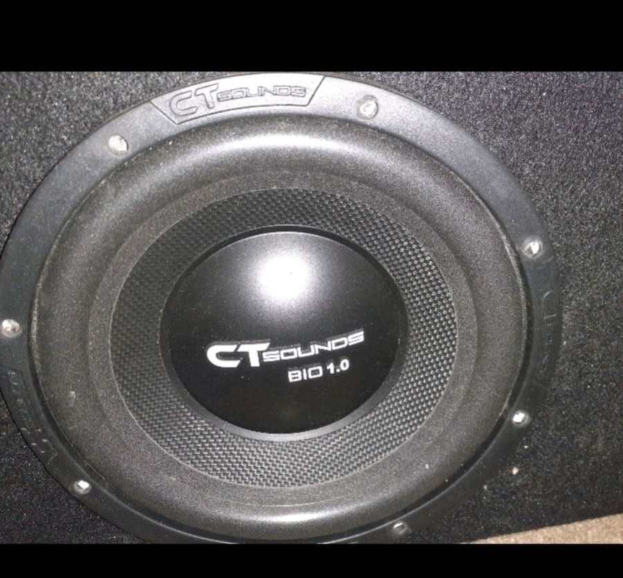 Photo Box with speakers fits most Trucks