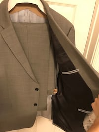 Tommy Hilfiger men's grey suit size 48R Alexandria, 22315