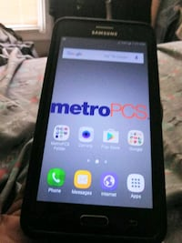 black Samsung Galaxy on5 android smartphone Germantown, 20876