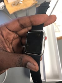 Smart Watch , Electronics Apple Series 3 GPS .. Negotiable