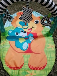 Newborn Playmat with plastic carrying case too Norwalk, 90650