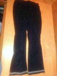 Black spandex pants with flowers on the bottom Youngstown, 44512