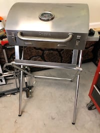 Portable Propane grill and stand Knoxville, 37902