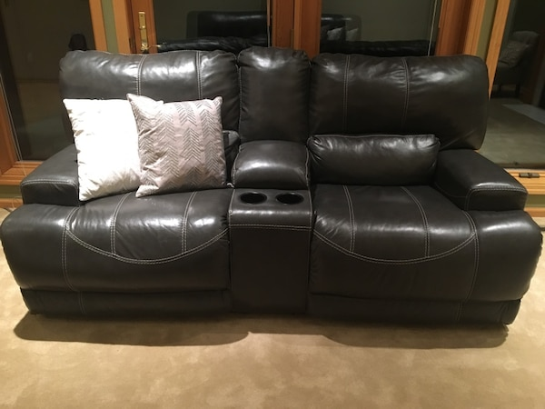 Used Grey Leather Power Reclining Sofa Includes Two Usb Outlets