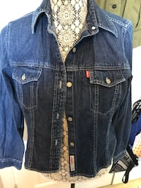 Blue denim button up shirt Grimsby, L3M 0B2