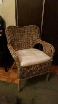 Modern country Rattan chair ! Barrie, L4M 5S6