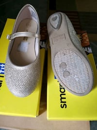 Children's gold shoes 11.5 Oakville, L6J 6T4
