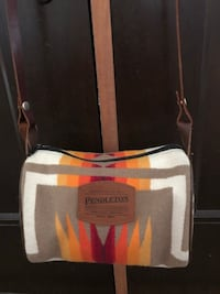 Pendleton Cross Body Bag / Wool with leather strap