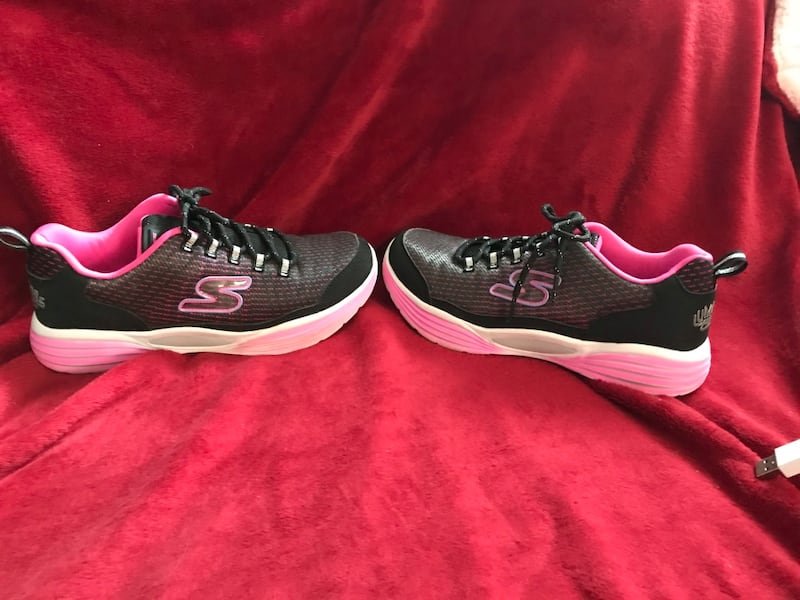 Skechers Luminators size 5 3