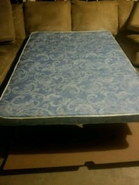 quilted white and blue floral mattress Bakersfield, 93311