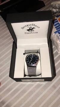 Round silver-colored beverly hills polo club analog watch with milanese bracelet and black box Ajax, L1T 0A4