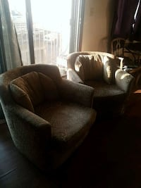 Two matching chairs selling them together for 100$ Edmonton, T5H 0N1