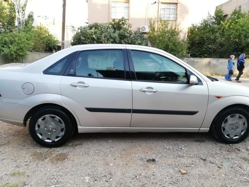 1999 Ford Focus 1.6 AMBIENTE 3