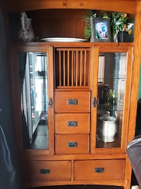 Wooden china cabinet Centreville, 20120