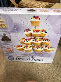 Cupcake stand  Sterling, 20165