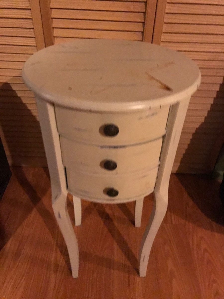Used White Wooden 3-drawer End Table In Uxbridge