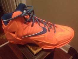 LEBRON   Basketball Shoes Size 9