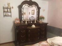 4 piece mahogany with marble tops bedroom set. Troy, 63379