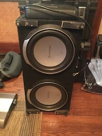 Jeep CJ 7 custom speaker setup ... made for the rear trunk of a Jeep and sounds amazing . New York, 11219