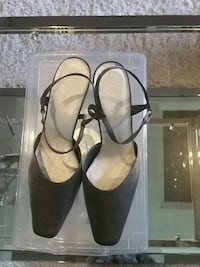 Women shoes size 10 Burnaby, V5C 3A1