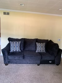 Couch  Livonia, 48150