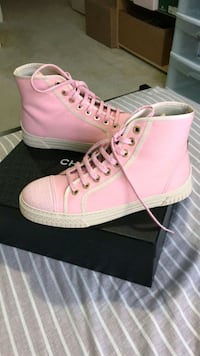 Authentic Chanel pink high-top sneakers with box Markham, L3S 3E7