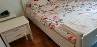 Moving sale off white double bed 180*200