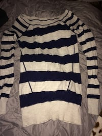 White and blue striped boat-neck sweater  Gettysburg, 17325