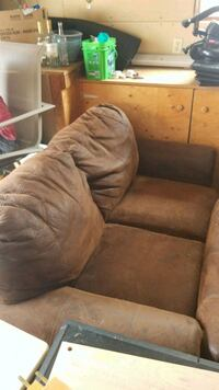 2 seat abd 3 seater couches Windsor, N8N 3G7