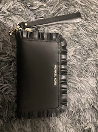 black leather Michael Kors wristlet Calgary, T3Z 0V5