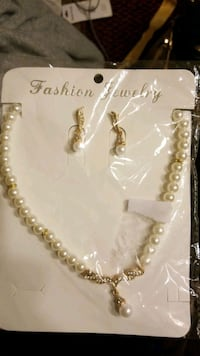 Pearl Earrings and Necklace Set Woodbridge, 22192