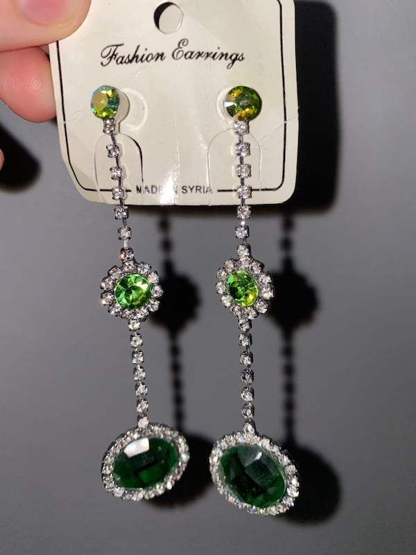 Earrings  497687e3-e695-4638-ba38-0c0edd489e09