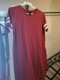 red and white crew-neck shirt
