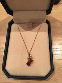 10k gold pendant and earrings with garnet and diamonds Mississauga, L5M 5E2