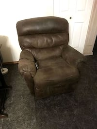 Recliner massage chair Edmonton, T5E 5H4