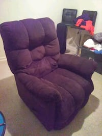 Brown luxury recliner 644 mi