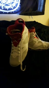 pair of white-and-red Nike basketball shoes Santa Rosa, 95409