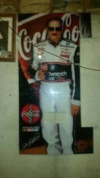 Dale Sr Coke Machine Front. Perfect Condition. Shepherdsville, 40165