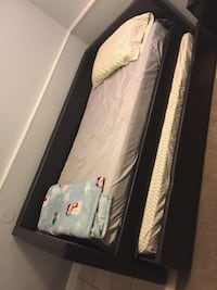 Twin trundle bed with twin mattresses  Indian Head, 20640