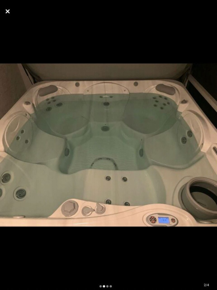 Photo Hot Tub Spa Jacuzzi Hottub