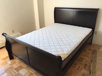 Brand new in box wooden queen bed on sale 多伦多, M1W 1H7