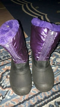 Purple winter boots  Montréal, H1K