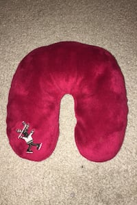 Kids travel pillow (washable) red