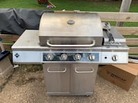 Grill with propane tank and grill cover  Nolensville, 37135