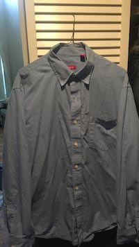 Izod Blue check button-up shirt, worn once size large Longwood, 32750