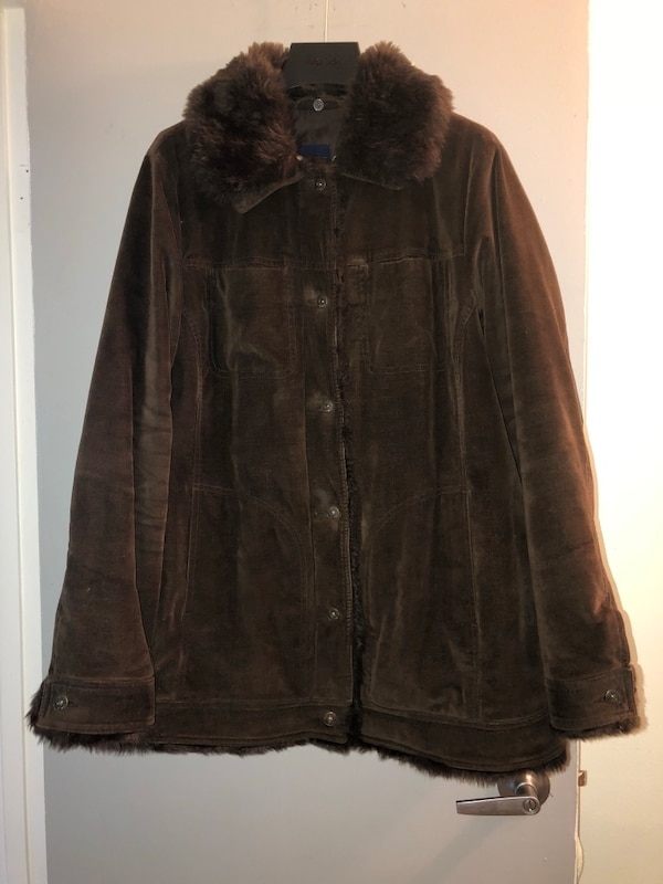 Macy's chocolate brown coat with removable faux fur collar, plus size 1X, excellent condition, paid $80 US